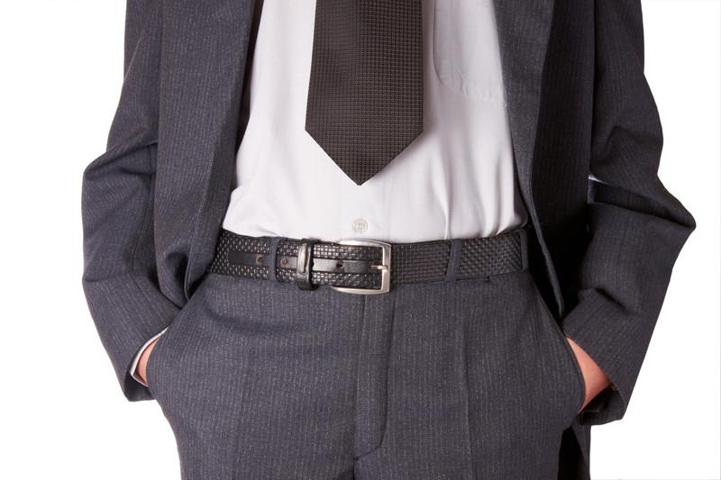 Å ha hendene i lommene signaliserer at du er nervøs eller ukomfortabel.