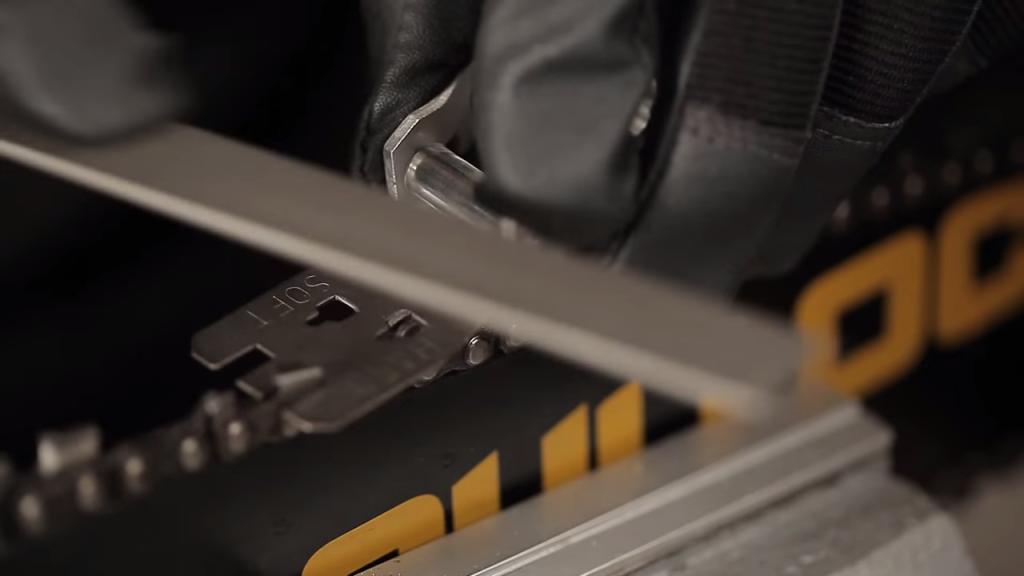 Videomannual: Slik filer du kjedet på motorsagen